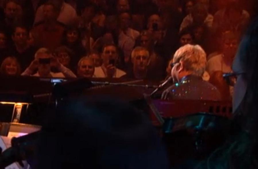 Elton_John_Yamahaf