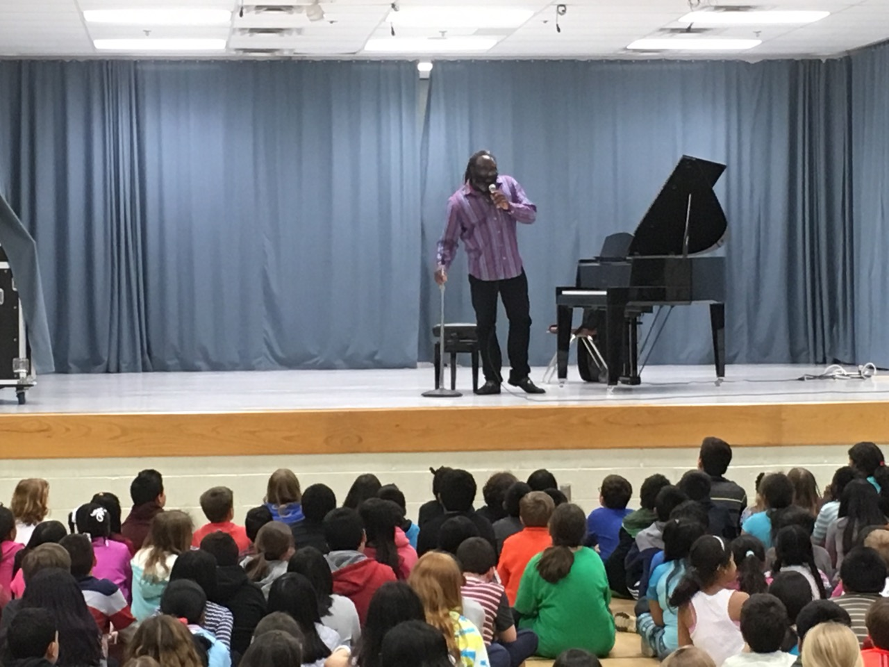 Jordan Kitt's hosts Awadajin Pratt at the Woodburn School for the Fine Arts