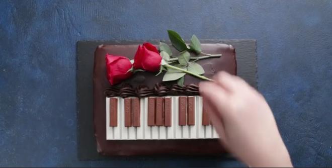 A Piano Cake Recipe!