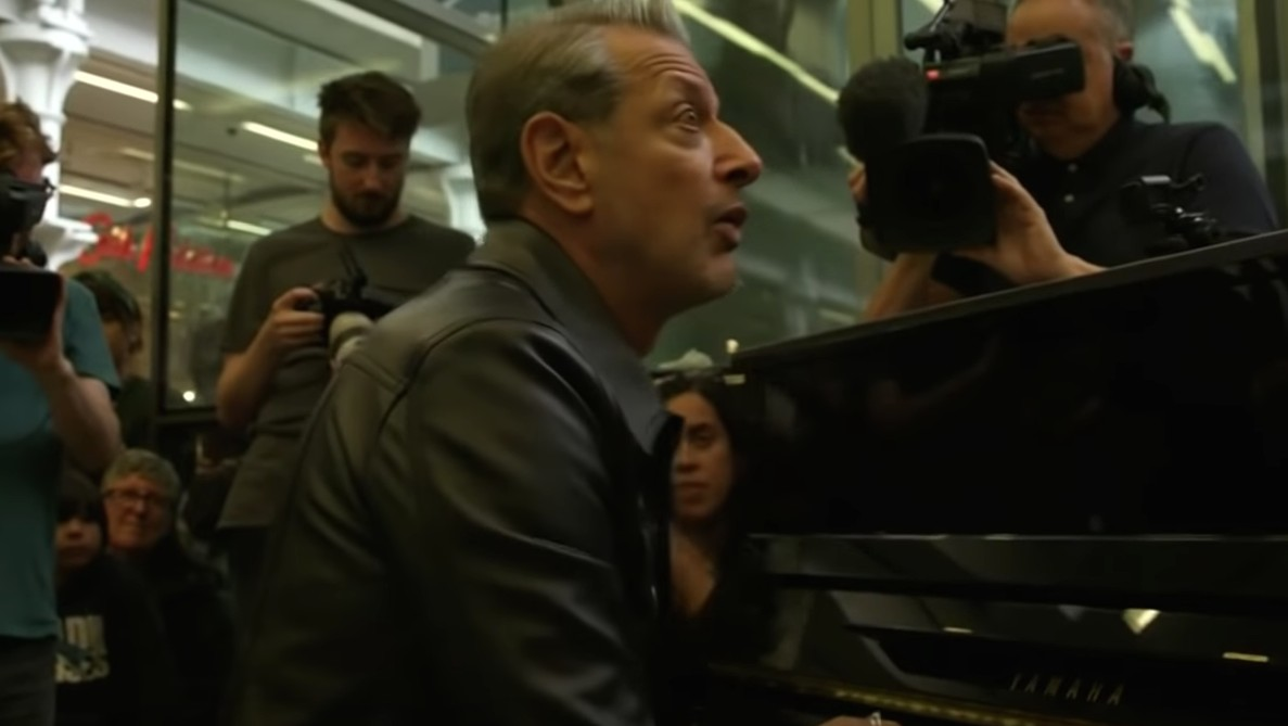 Music, Uh, Finds a Way…  Jeff Goldblum entertains on a Yamaha piano.